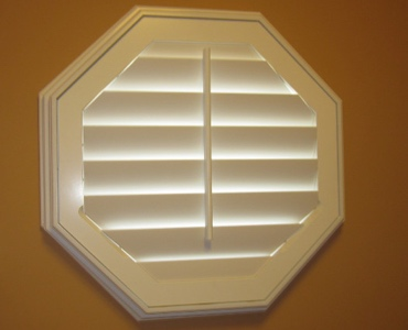Miami octagon window shutter