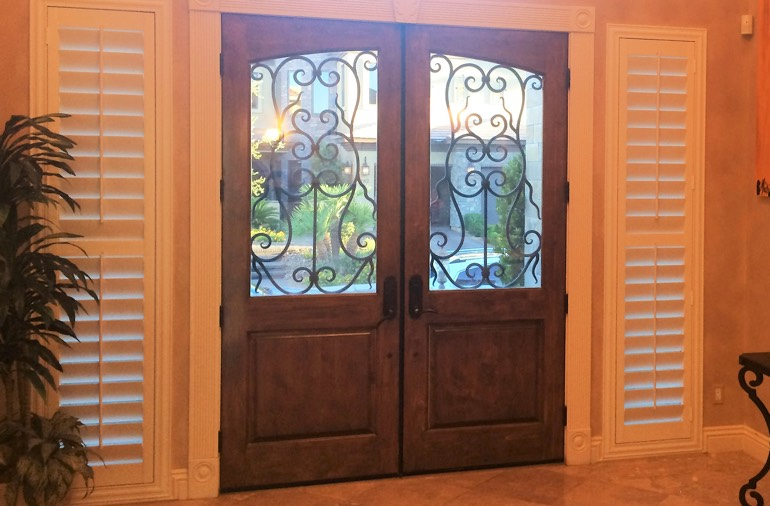 Sidelight window shutters in Miami house